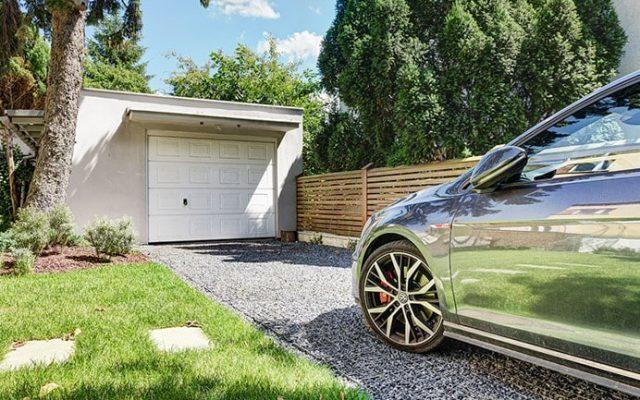 (Polski) Podjazd do garażu – jaki materiał wybrać?