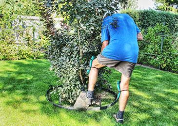 Krok 3 - montaż obrzeża ogrodowego